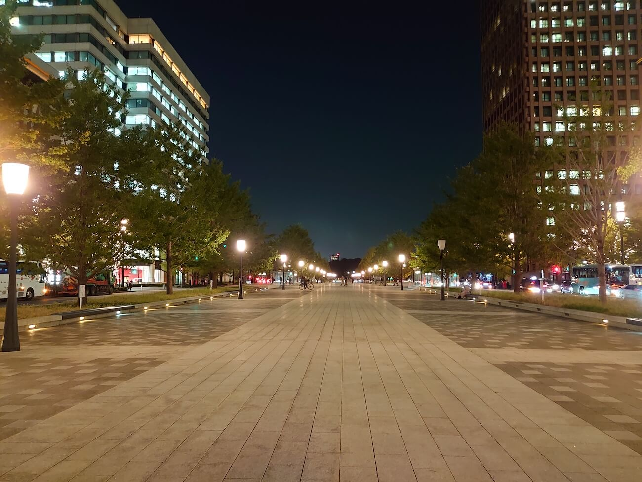 iPhone11 Xperia5 夜景写真 比較