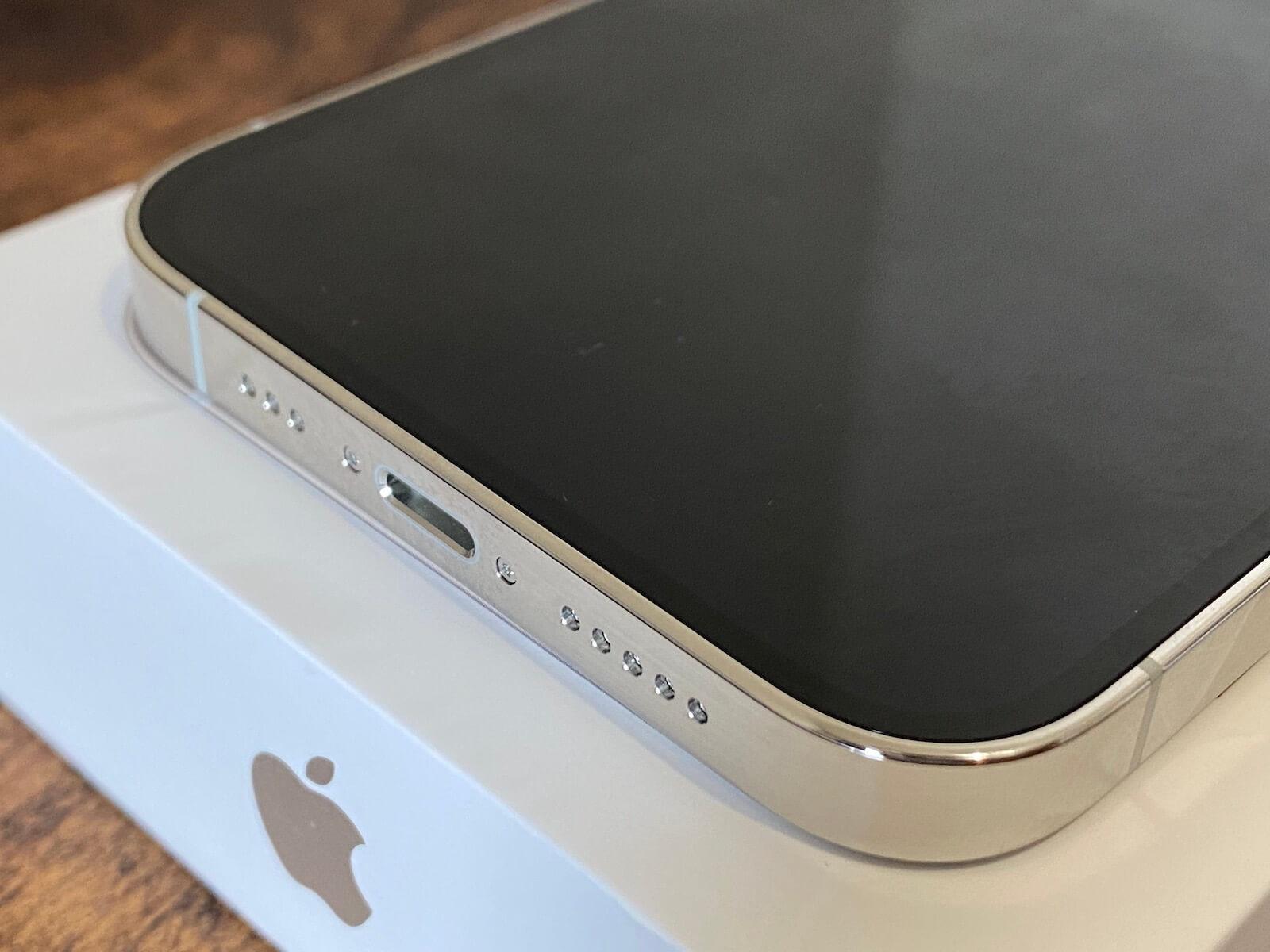 iPhone 12 Pro フレームの形状
