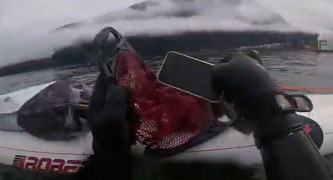 湖に落とした携帯